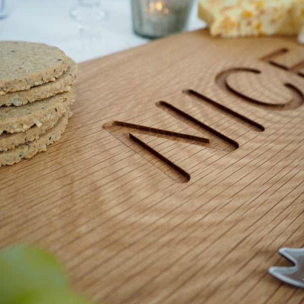 oak-nice-biscuit-board