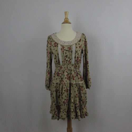 Axes Femme Cozy Antique Roses Dress