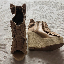 Liz Lisa Beige Wedges Size M