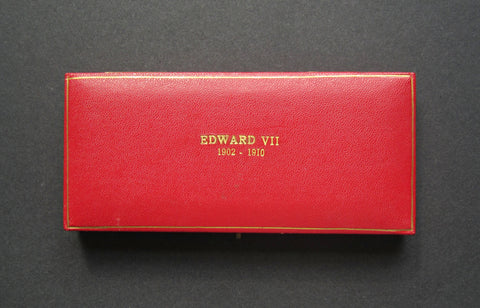1902-1910 Red Hard Case For 9 x Edward VII Sovereigns