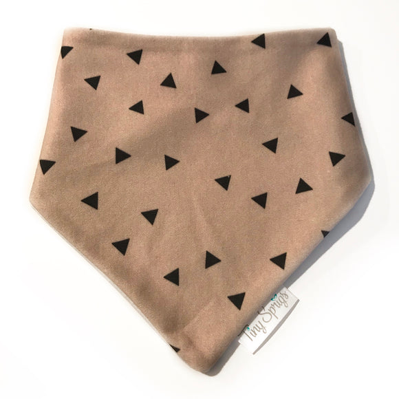 Tiny Sprigs Geo Triangles Organic Drool Bib