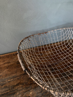 Wire Clam Basket with Handles