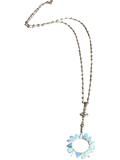 Breathtaking Opal pendant necklace set in 18k gold