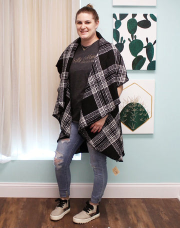 Black Rounded Plaid Vest with Pockets