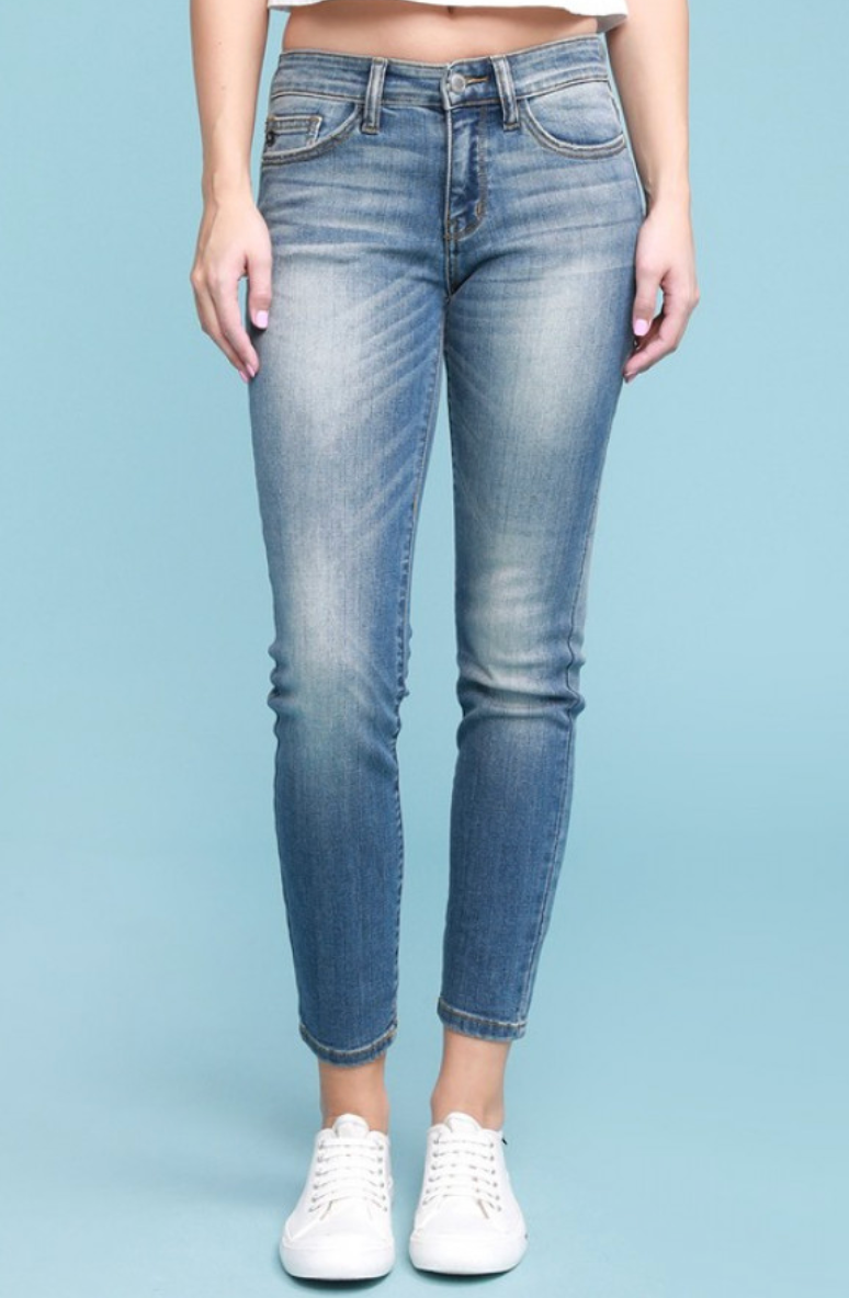 Judy Blue Jeans Plus Size Hand Sand Relaxed Mid Rise Jeans