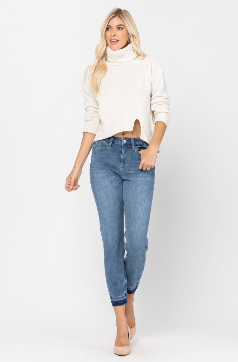 Judy Blue Jeans NEW RELEASE THERMAdenim Thermal Undone Hem Boyfriend