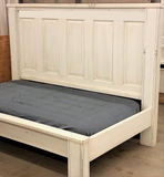 Oyster style panel headboard in a daybed