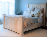Oyster style panel bed with collums and large footboard