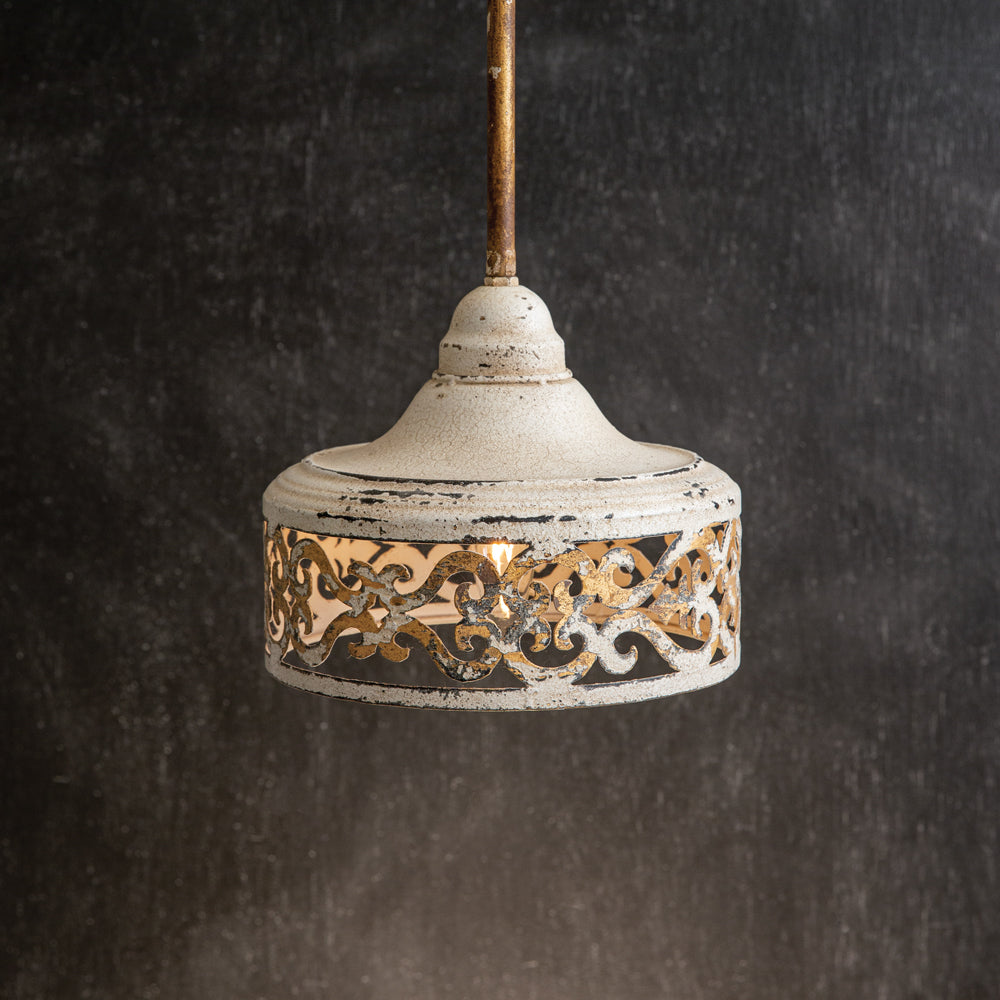 Sweet Vintage-Inspired Pendant Lamp