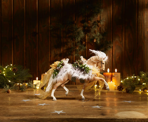 Breyer Horse Statue Winter Wonderland Holiday