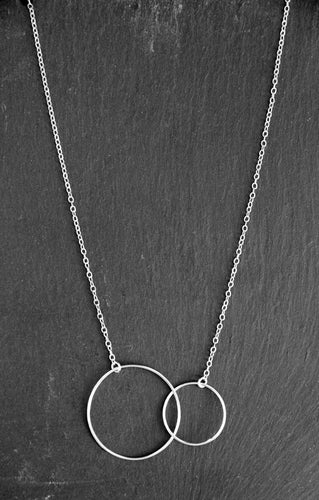 Short Necklace - Two intertwined circles