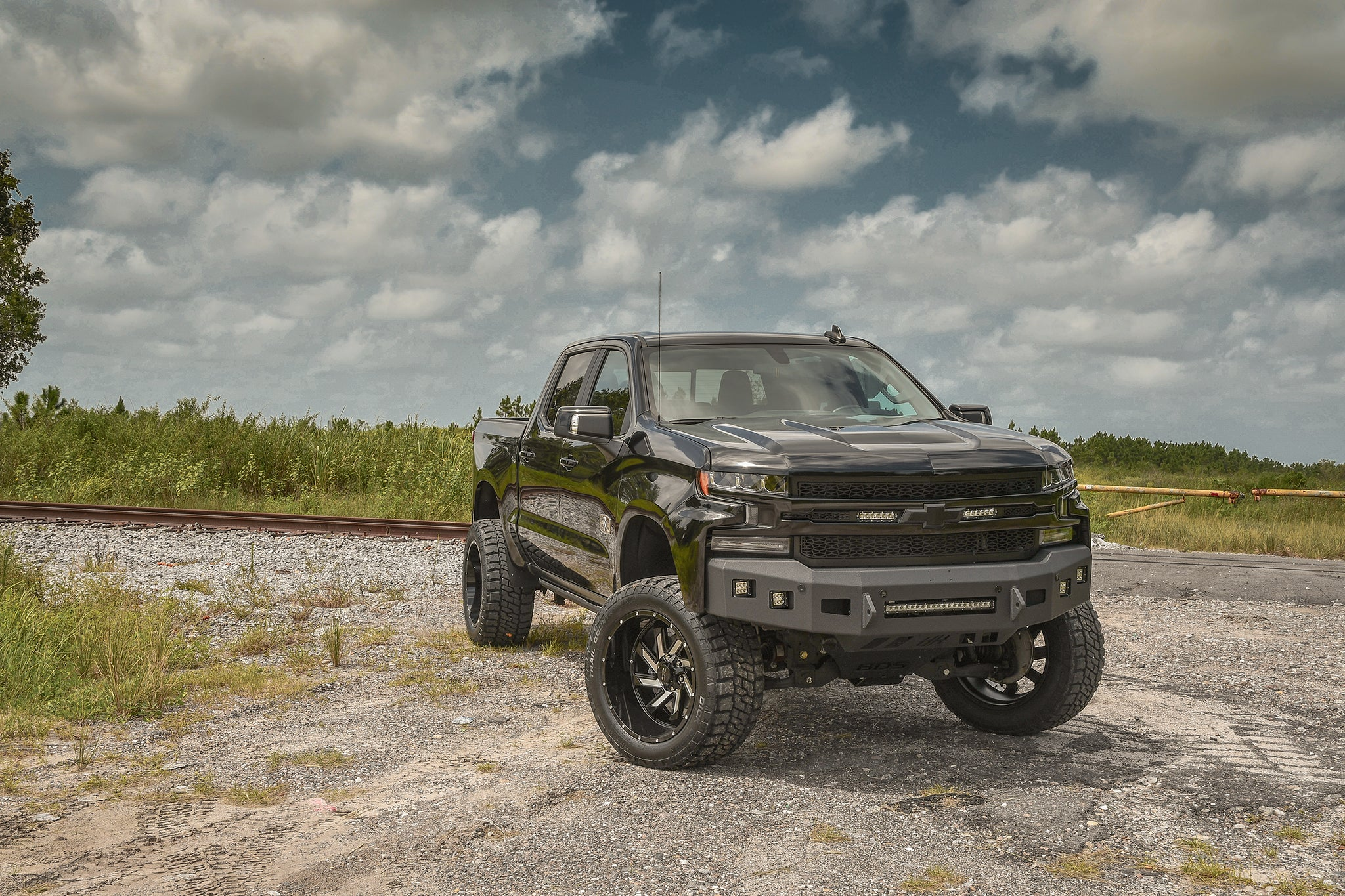 alt='2019 DEADWOOD EDITION SILVERADO (HAMMERHEAD PACKAGE) - LEVEL III on 22