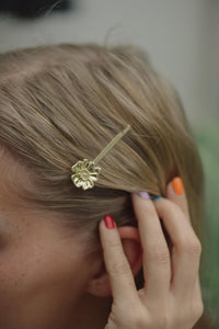 2 x Poppy flower hair clips sold in pairs - Gold - AYM STORE