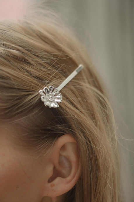 AYM 2 x Poppy flower Hair accessories Silver