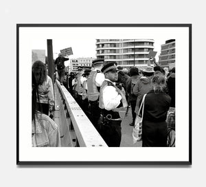 🌴NEW: MARCHNG OVER VAUXHUAL BRIDGE 8.3 x 11.7 (A4) PHOTOGRAPHIC PRINT LIMITED EDITION 30