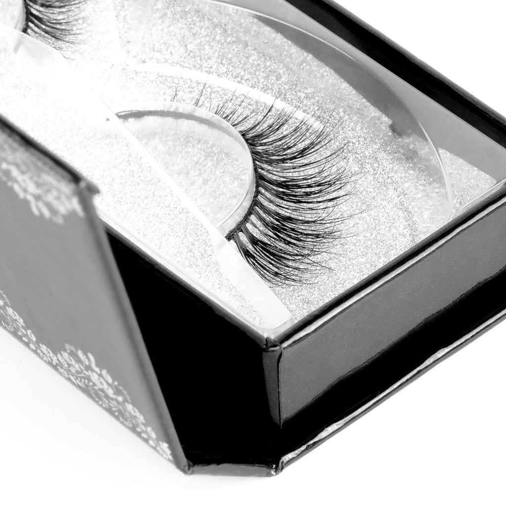 MARA MINK LASHES - Coquette Chronicles
