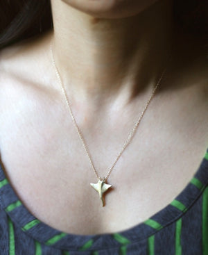 Manta Ray Pendant Necklace in 14k Gold