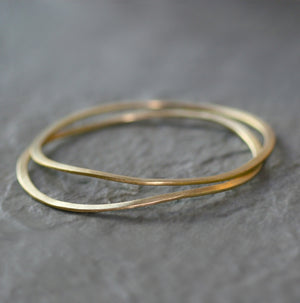 Wavy Bangle in Brass