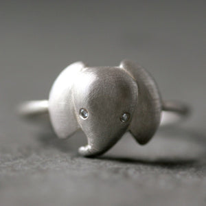 Elephant Ring in Sterling Silver with Diamonds