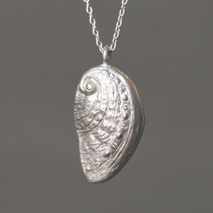 "Sea Shell Necklace in Sterling Silver with 7 Diamonds ocean,necklaces sea-shell-necklace-in-sterling-silver-with-7-diamonds 16"",17"",18"""