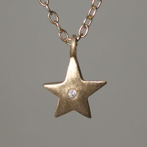 Star Necklace in 14K Gold with Diamond