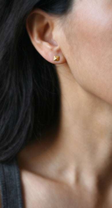 Low Pyramid Stud Earrings in 14k Gold with  Diamonds