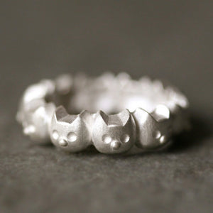 Kitty Band Ring in Sterling Silver