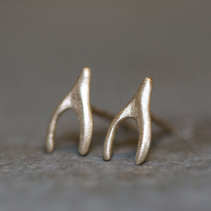 Tiny Wishbone Stud Earrings in 14K Gold