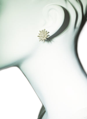 Seed Flower Stud Earrings