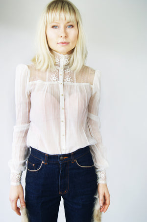 1940's Delicate Lace Blouse - ULTRA-CAT