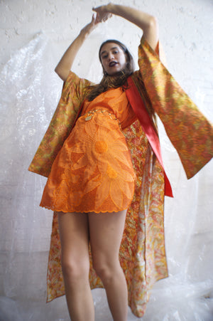Unique 1960's Kimono With Fall Leaves Print - ULTRA-CAT