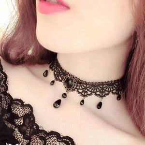 Fashionable Black Velvet Choker