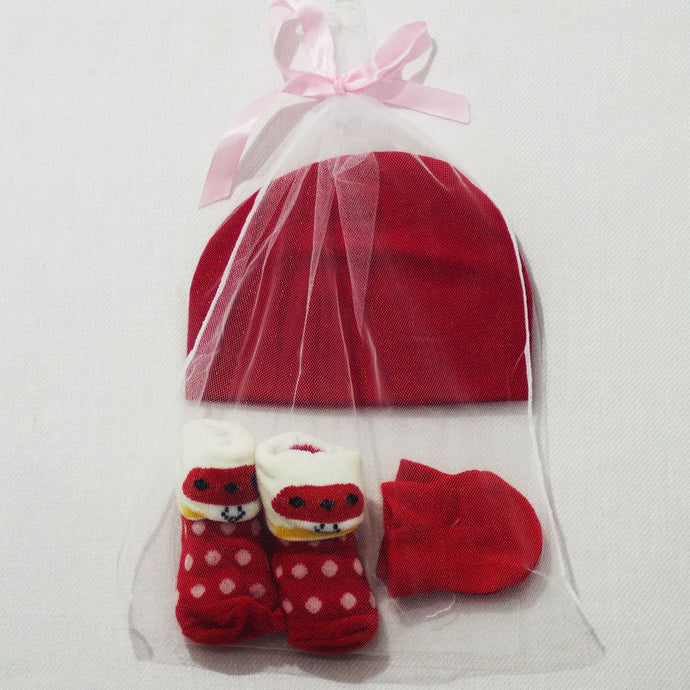 Baby Hat, Socks, Mittens - Newborn Gift 3pc Set - BabySpace Shop