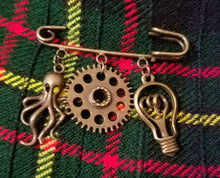 Bronze Steampunk Kilt Pin Steampunk cape frog Cthulhu Kilt pin Cthulhu capr frog gears Wear with steampunk goggles