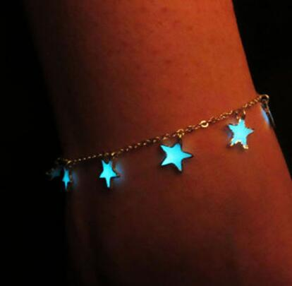 WOO LOO FASHION-Glow In The Dark Bracelets