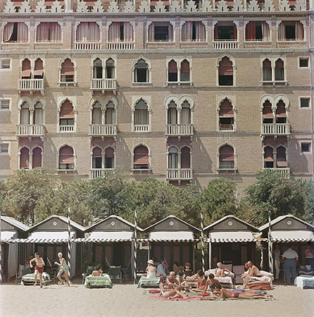 Hotel Excelsior by Slim Aarons - FINEPRINT co