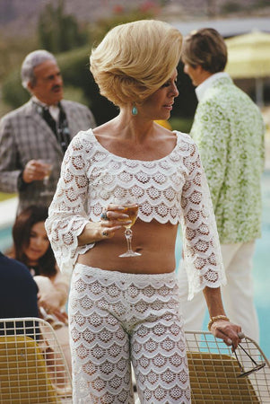Helen Dzo Dzo Kaptur by Slim Aarons - FINEPRINT co