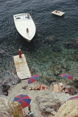 Coming Ashore by Slim Aarons - FINEPRINT co