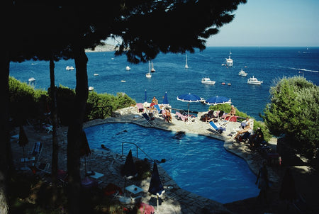 Il Pellicano Pool-Slim Aarons-Fine art print from FINEPRINT co