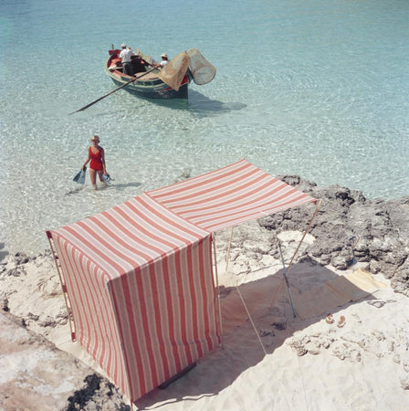 Marietine Birnie, Blue Lagoon by Slim Aarons - FINEPRINT co