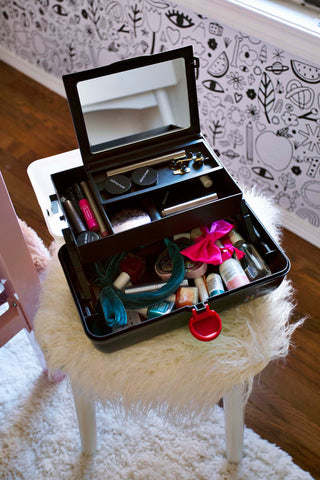 Cool Black Caboodles Makeup Case