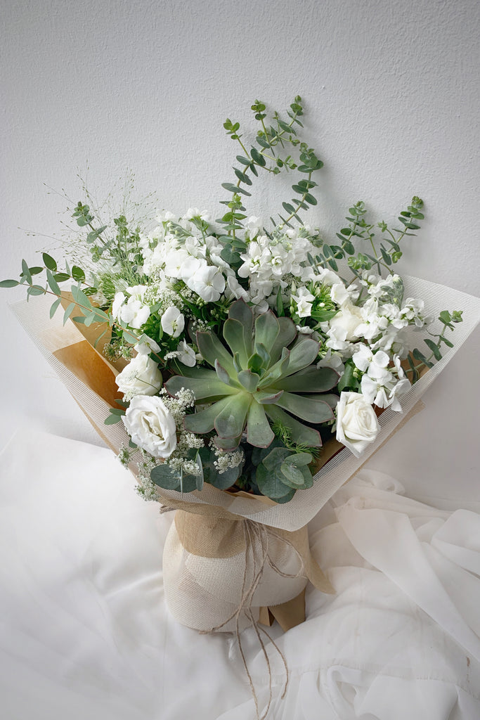Succulents & White, Bouquet