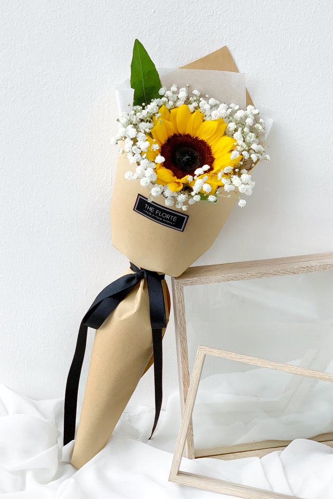 The Florté | Spotlight, Bouquet, Sunflower, Baby's breath, Kraft Paper, Cheer up, Graduation, Affordable, same day delivery, Impressive, Sunshine, Cheerful