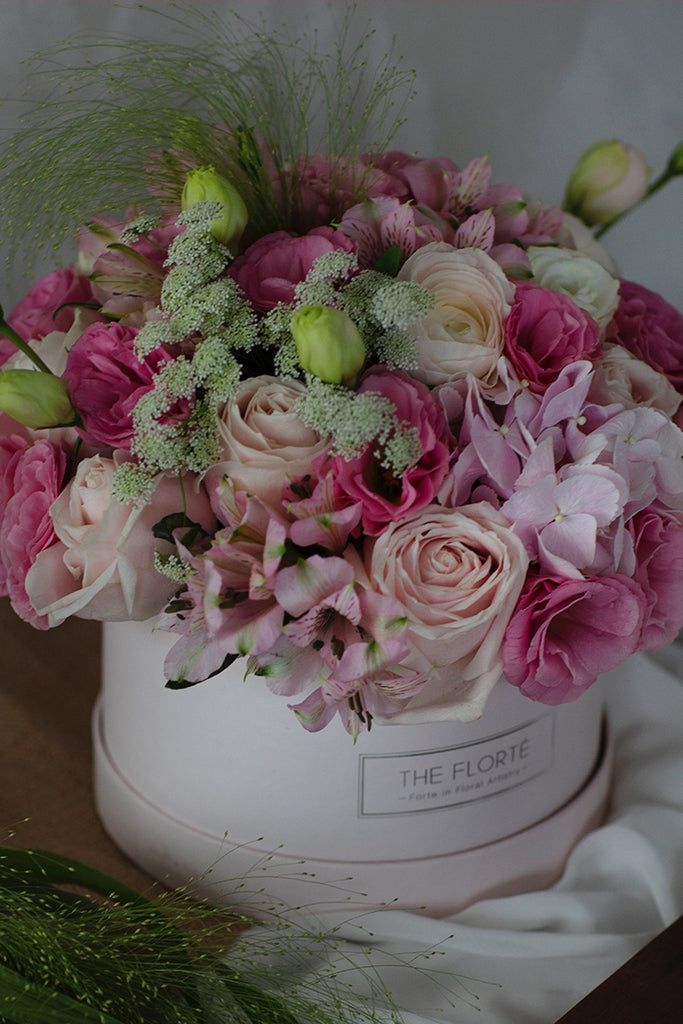 The Florté | Delightful Love, Bloom Box, Pink, Blush, Eustoma, Hydrangea, Ranunculus, Roses, Alstroemeria, Hot Pink