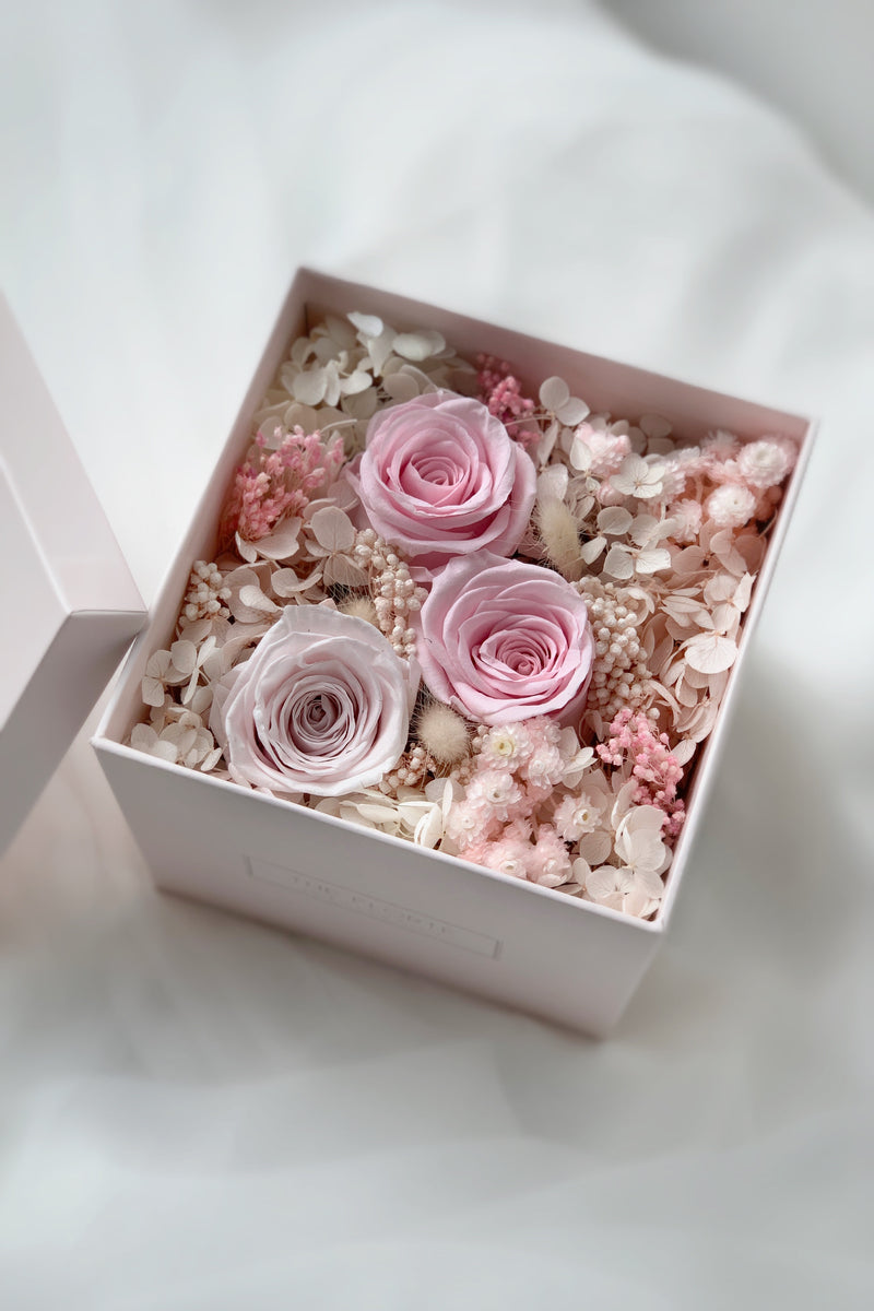 The Florté, Tinkerbell Bloom Box, Porcelain Vase, Preserved Rose Hydrangea Pampas Cotton Dried Rose Flower, Office Desk Decor Decoration Beautifying Display, Petite Small Vase Arrangement,