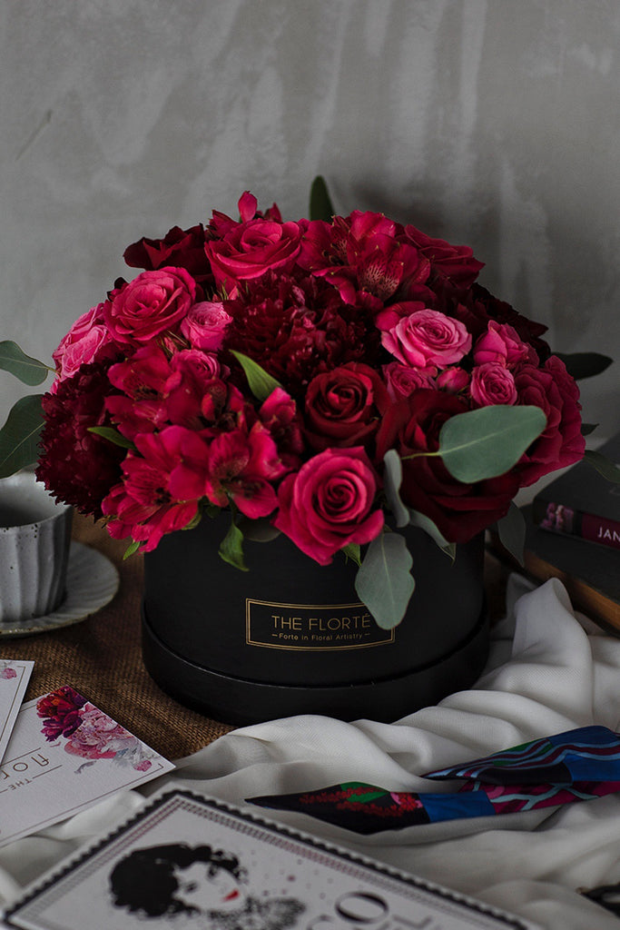 The Florté | Enchanted Love, Bloom Box, Red Roses, Pink Roses, Red, Pink, Best Flowers Singapore, Best Florist Singapore, Best Online Florist, Mystical, Wild, Mysterious, Passionate, Deep