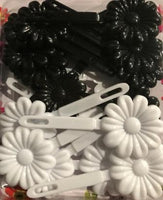 Barrettes Black and white flower