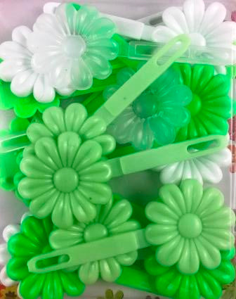 Shades of green flower snap barrettes