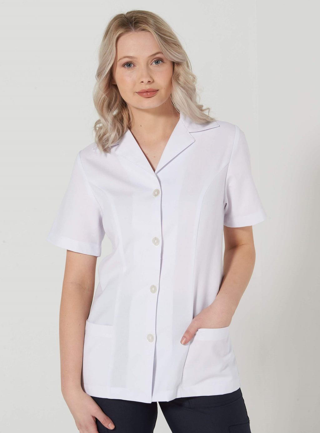 903S-LU-WHT: Short sleeve button up Pharmacy jacket