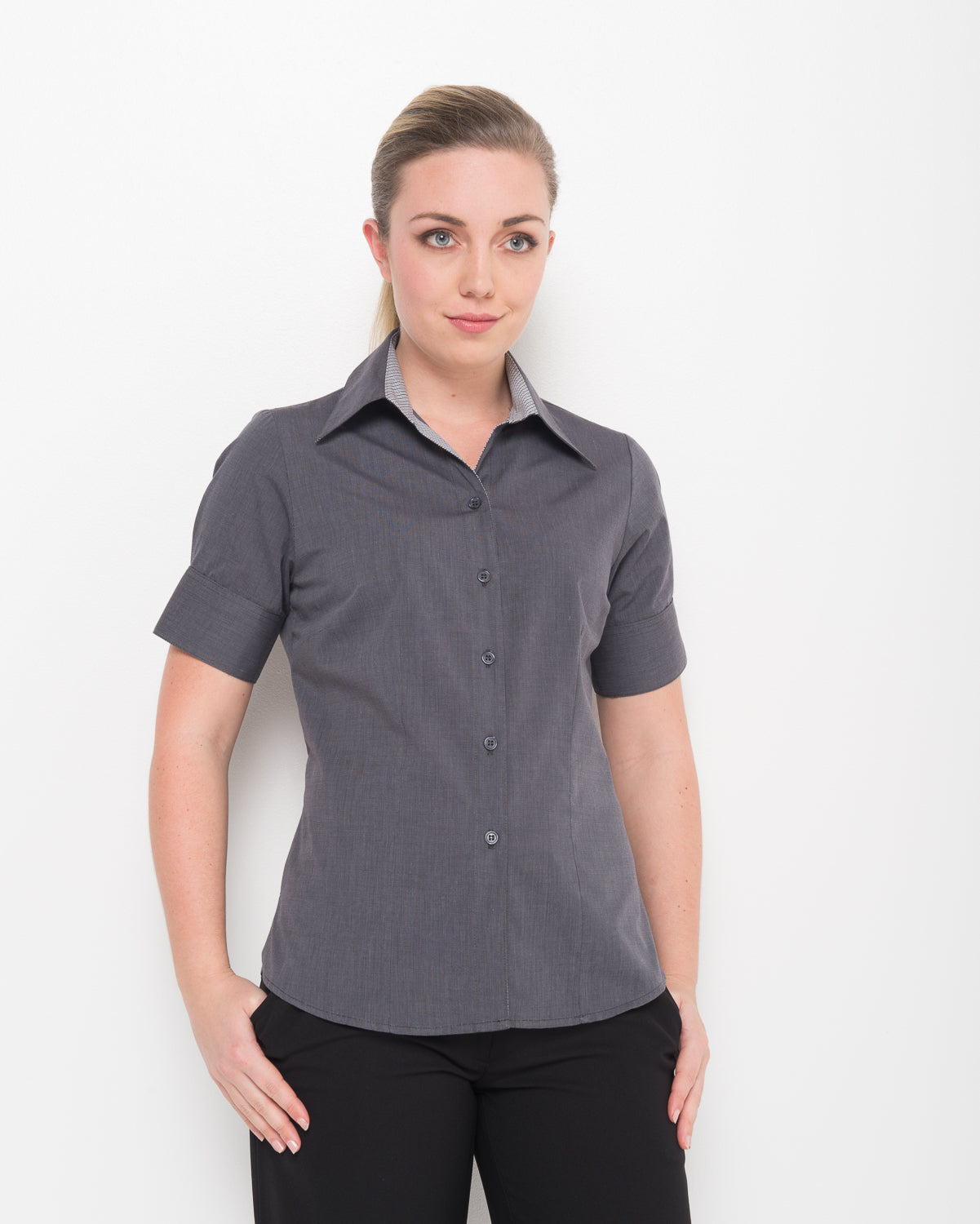 200-EE-CHA: 1/2 sleeve semi fitted shirt